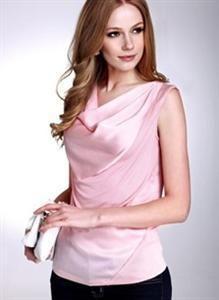 今夏职场粉色当道 梦芭莎帮你制造粉嫩<b><a href='http://www.make-dress.com.cn'>职业装</a></b>