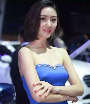 2018车模来了北京定制车模服装 也太显眼了吧