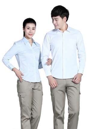 穿着定制白色工作服的好处
